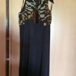 Νέο φόρεμα Roberto Cavalli και κάλτσες