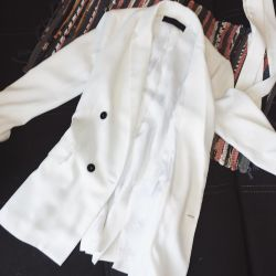 Fashionable white jacket ZARA