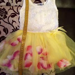 Yeni bebek elbisesi
