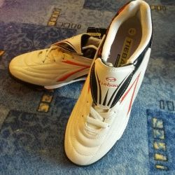 Yeni 41rr futbol ayakkabıları