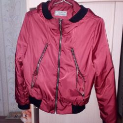 I will sell a jacket for spring / fall