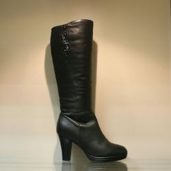 92. Boots winter p.38 leather, natural