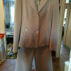 Костюм тройка р. 44-46 (пиджак юбка брюки)