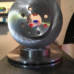 Brake discs on a Chevrolet Lanos