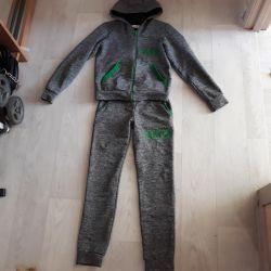Αθλητικό κοστούμι. R.152