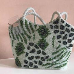 Θα πουλήσω μια νέα τσάντα από χάντρες