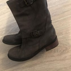 Boots 37r Italy