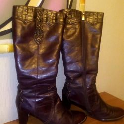 Winter boots. Leather / fur. ALIBI.