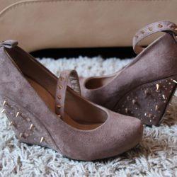 Оригинальные стильные туфли на платформе