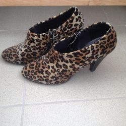 Shoes / Boots / Booties NEW
