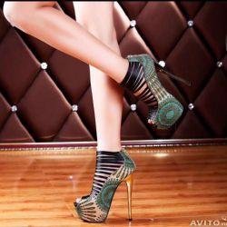 Τα σανδάλια παπούτσια νέα ρεπλίκα Labutene