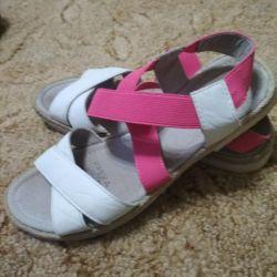 Sandaletler 33.