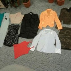 Package of clothes rn 40-42 in good condition