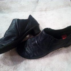 Women's boots. Riker