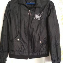 Куртка женская р-р 46