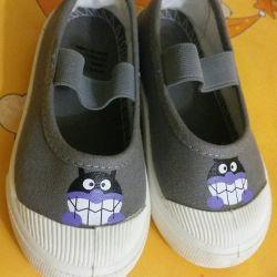 Новые туфли сандали тапочки для садика