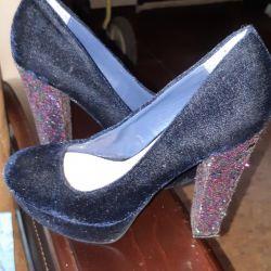 Pantofi din catifea, foarte frumoși