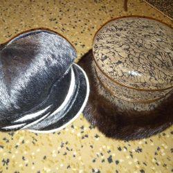 2 pălării de blană