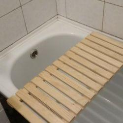Wooden bath grate