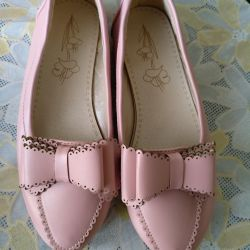 Shoes for the girl 34 rr