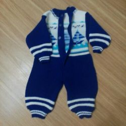 Knitted overalls for baby 68