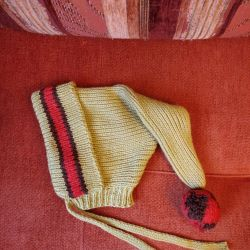 Cap self-knitting