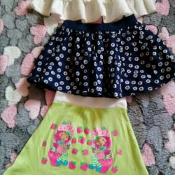 Skirts for girls for 3-4 years.