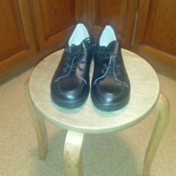 Women's leather low shoes