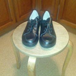 Γυναικεία δερμάτινα παπούτσια