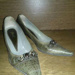 Shoes p37