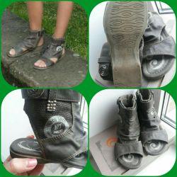 Sandals p.32