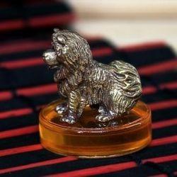 Souvenir doggy figurine chow-chow