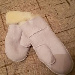 Mittens fur (sheepskin) new