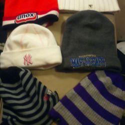 Πολλά ζεστά καπέλα