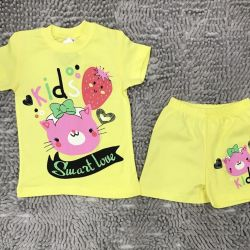 New costume for girls: shorts and T-shirt,