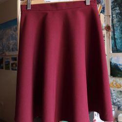 Ημι-ηλιόλουστη φούστα