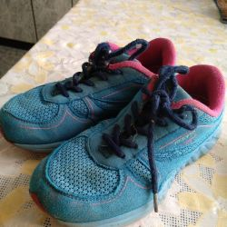 ATHLETIC sneakers for the girl 32 rr