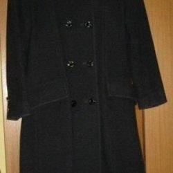Coat female demi-season classic 42 size