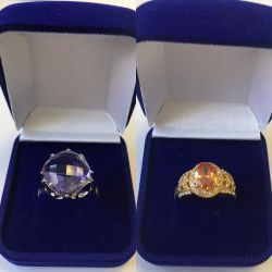 Κοσμήματα δαχτυλίδια, σκουλαρίκια, μενταγιόν, τρυπήματα, βραχιόλια