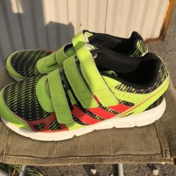 I will sell adidas sneakers p 35