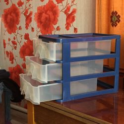 Üç katmanlı konteyner