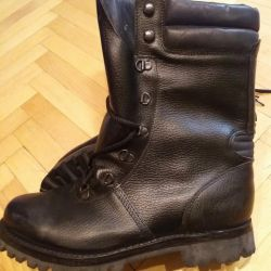 Берцы(ботинки).