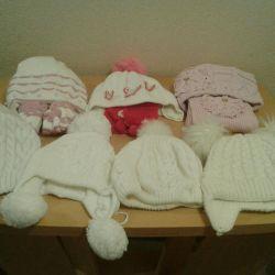 Kızlar için kışlık şapkalar