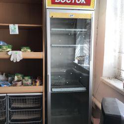 Refrigerator showcase