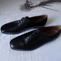 Women's shoes black leather