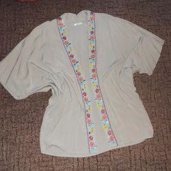 Летний жакет-кимоно с вышивкой