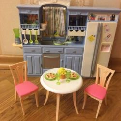 Bucătăria cu Barbie