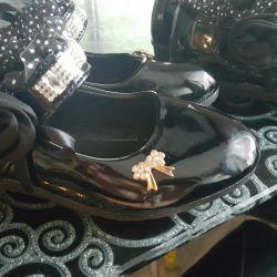 Tatil için çocuk ayakkabısı
