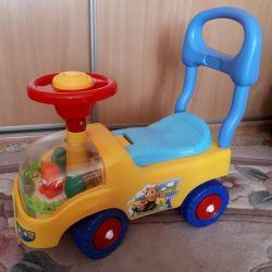Машинка каталка детская