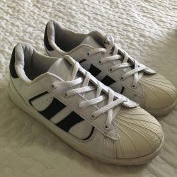 Sneakers 37-38r. boo